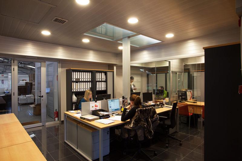 Oficinas crivencar d az dec ddec dise o decoraci n interiorismo y construcci n - Interiorismo y diseno ...